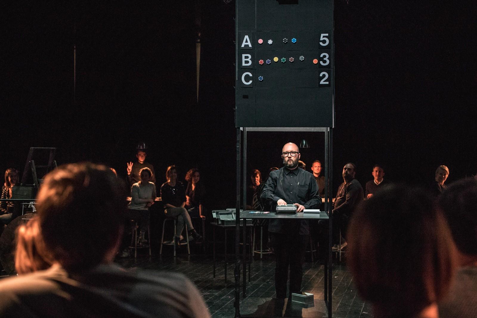Théâtre preformance : Lies