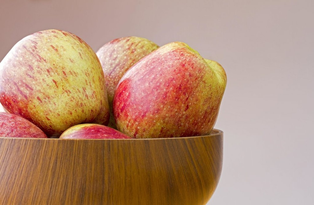 The Cameo apple was found by chance in a Washington orchard among Red and Golden Delicious apples. As a result, this variety blends the rich flavors of its parents into an irresistible, crisp hybrid of sweet and sour. It holds up well when baked, so try subbing it into a recipe for a balanced, textured apple pie*.