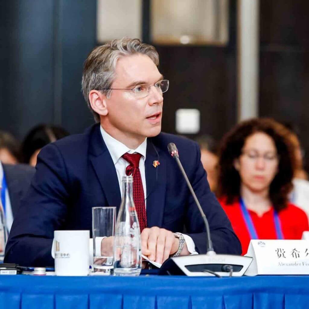Dr. Alexander Fisher